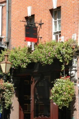Dublin pub entrance