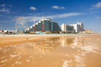 Hotels and attraction along the shore in Daytona Beach
