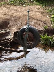 Swing rubber tyre