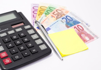 Postit on European Currency with Calculator