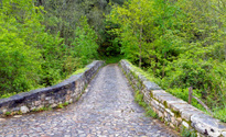 Roman bridge input, Poo de Cabrales.