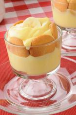 Pudding with bananas and vanilla wafers