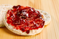 Rice cakes with raspberry jam