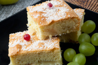 apple strudel and grapes