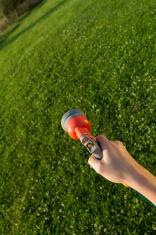hand with spray gun
