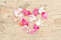 flowers arranged to heart shape