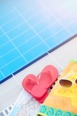 60fe6b7ef3f857 ... swimming pool on family vacation · sunglasses like a heart · flip flop