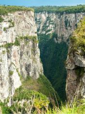Canyon Itaimbezinho in Aparados da Serra Nationalpark, Brazil.