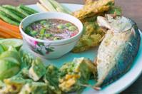 Shrimp paste with fried mackerel