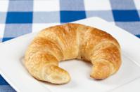 Teller mit Croissant