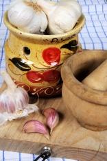 Garlic pot with pestle and mortar.