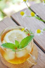 lemon tea with herbs