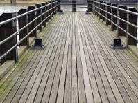Deck pier