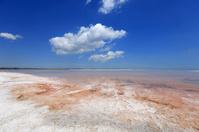 nice cloud over salt sea