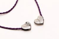 Double heart necklace detail