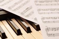 piano keyboard and sheetmusic