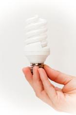 hand with lightbulb