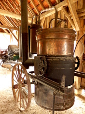 Double distillation still