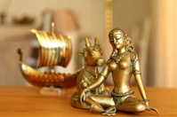 Parvati and a longboat vikings
