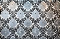 Wallpaper in black, white & silver
