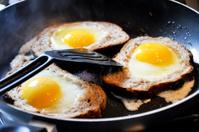 fried eggs in bread