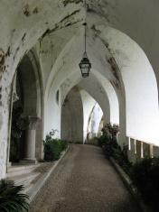 Quiet passageway