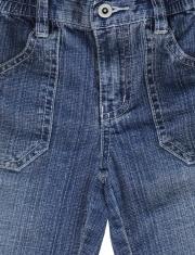 Blue leans