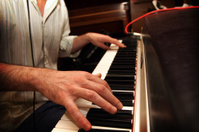 Suitcase piano