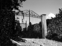 Spooky gate