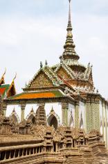 Temple Phra Wiharn Yod and miniature Angkor Wat