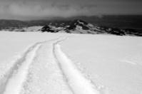 Iceland volcano: Eyjafjallajökull tyre tracks