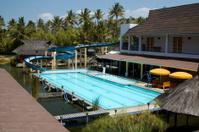 Swimmingpool with waterslides