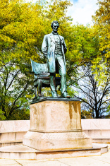 The Standing Lincoln, bronze statue in Chicago