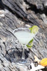 margarita cocktail on beach