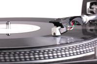 Needle on spinning turntable