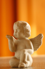 angel sending kisses