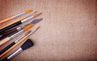 Set brushes on canvas
