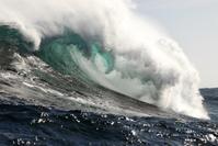 Big wave crushing down powerfully