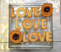 Creative love dessert