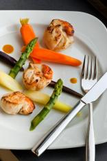 Saint-Jacques and vegetables