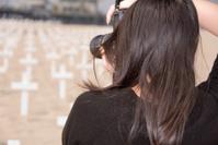 Shoot the crosses on beach - Photographer Series