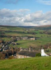 yorkshire farmhouse on valley edge
