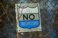 U.S. Property No Trespassing- Horizontal