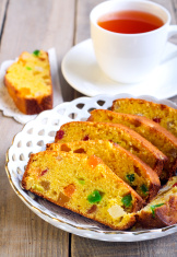 Crunchy fruit cake