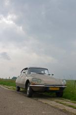 Vintage car on Dutch Dyke