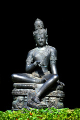 The Bodhisattva statue metal. In place of Dharma.