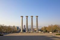 four columns, Barcelona