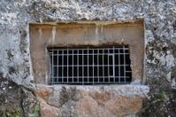 kimons tomb ancient burial chamber