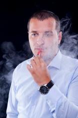 smoking electric cigarettes