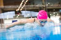 Swimmer speeding through the pool